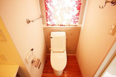 トイレの壁紙の黄ばみ汚れを簡単に落とす方法!