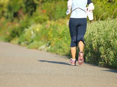 ウォーキングでダイエットのポイントは筋膜。筋膜ほぐしの歩き方とは