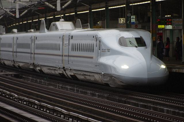 新幹線のぞみ、東京-新大阪間を快適に過ごす座席はここ!