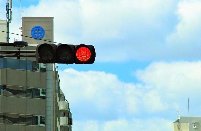 ドライブレコーダーはLED信号が消える?対応モデルを買おう!