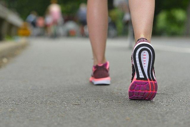 歩きすぎ!1日10000歩のウォーキング適正距離は何歩?