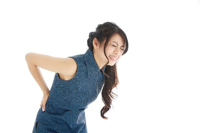 ぎっくり腰の原因の1つは座り方。予防する為に知っておきたい利き尻